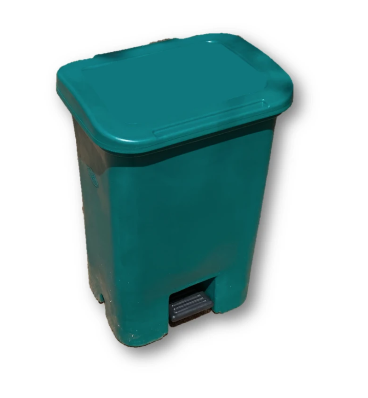enclosed dustbin